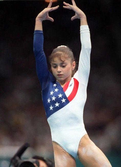 Dominique Moceanu (USA) HD photos of artistic gymnastics