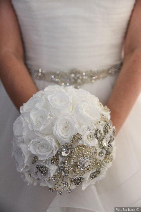 Bouquet Da Sposa Gioiello.Che Fine Fa Il Bouquet Dopo Le Nozze 4 Idee Per Trasformarlo