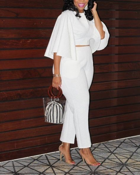 It's Memorial Day Weekend DIVAS!! How do you rock your white?!! . . . . . . . #allwhiteoutfit #classy #grownwomanish #fashion #fashionblogger #beautyblogger #over40blogger #style #over40style #clothes #makeup #shoes #jewelry #purses #hats #styleblogger #fashionista #wowensfashion #over40fashion #allthingsbeautiful #classicwhite