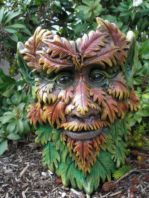 Greenman Water Feature//Pierre sculpture//Christine Baxter//décoration de jardin