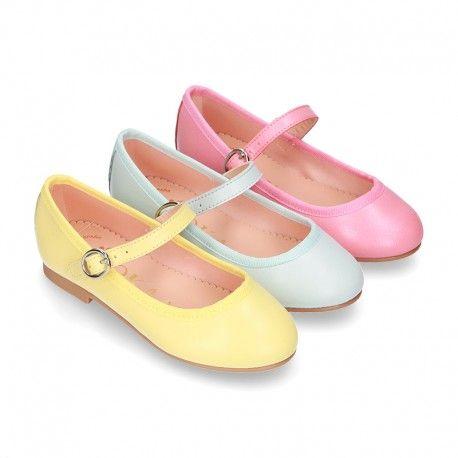 Hay una tendencia no relacionado Electrizar  Pin de Okaaspain.com en Merceditas Niña | Color de moda, De moda, Moda