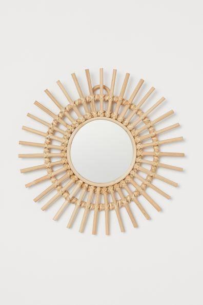 Espejo Con Marco De Ratan Beige Claro Home H M Es In 2020 Small Mirrors Small Round Mirrors Rattan Mirror