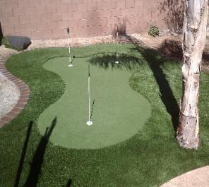 Marvelous Backyard Putting Green