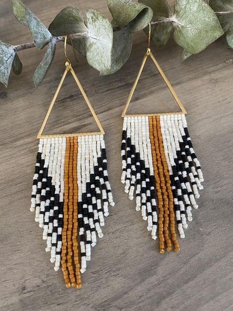 Seed Bead Jewelry, Seed Bead Earrings, Beaded Jewelry, Handmade Jewelry, Seed Beads, Funky Earrings, Fringe Earrings, Beaded Earrings, Pendant Earrings