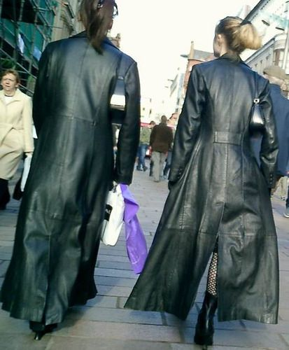 Trench Coats Walking Street Two Along Girls In Leather IgY6mbf7vy