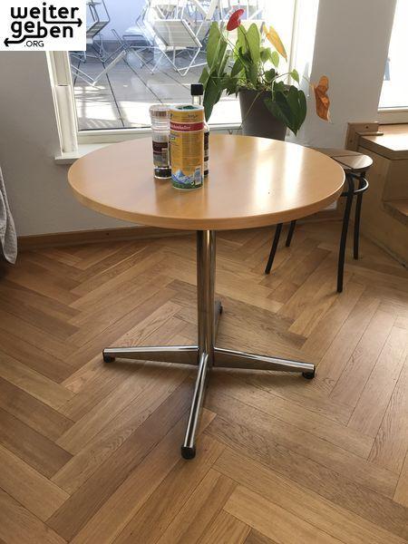 Wer Möchte Diesen Zeitlosen Runden Tisch In Berlin Spende