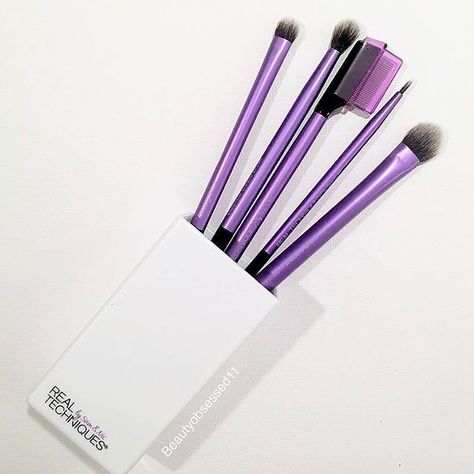 1a81b0d42be Real Techniques Enhanced Eye Set is a complete set of 5 eye brushes so you  can create any eye makeup look you want. Everything you need to apply and  blend ...