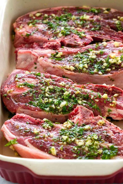 Lamb Chops with Garlic & Herbs Lamb chops marinated in garlic, rosemary, thyme, and olive oil then pan-seared on the stovetop to create a wonderfully flavorful crust. Lamb Roast Recipe, Lamb Chop Recipes, Meat Recipes, Dinner Recipes, Cooking Recipes, Healthy Recipes, Greek Lamb Recipes, Healthy Food, Recipes For Lamb