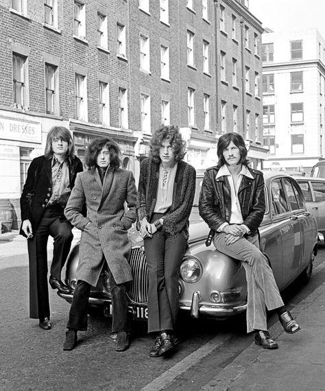 Led Zeppelin Preview 'IV' Reissue With 'Black Dog' Teaser