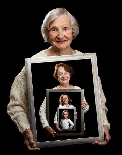 Family picture idea for four generations — I like this frame idea better because the frames are bigger. But the hands have to be placed better