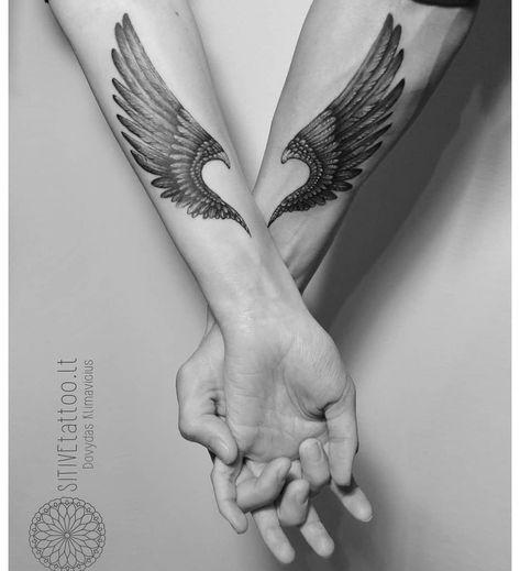 Tattoo casal ASAS ❤ @Sivitetattoo.lt Usem a #instattoo2 // @instattoo2 . . . . . . #tattoo#inkstinctsubmission #tattoocasal…