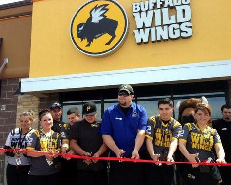 buffalo wild wings cashier