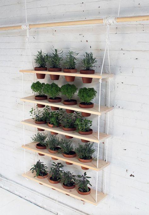 DIY: een gaaf hangend kruidenrek voor in de tuin Roomed   roomed.nl