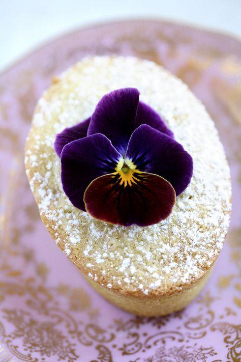 Pistachio Cakes