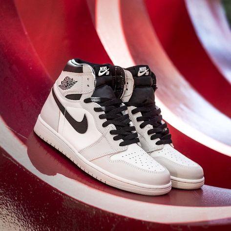 Nike SB Air Jordan 1 Retro High OG Defiant NYC Paris 8-13 Light Bone CD6578-006