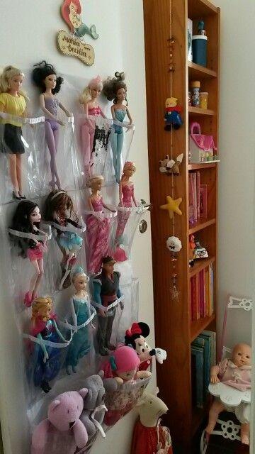 Para organizar bonecas.