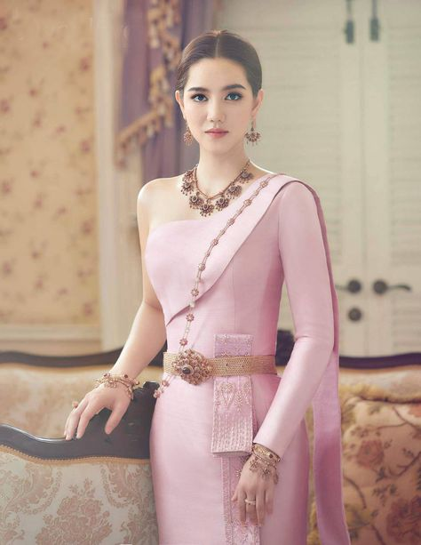 Traditional Thai Clothing, Traditional Dresses, Thai Wedding Dress, Wedding Dresses, Thai Dress, Pink Prom Dresses, Engagement Outfits, Thai Style, People Dress