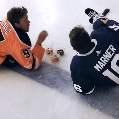 My faves! Connor McDavid and Mitch Marner 😍 My faves! Connor McDavid and Mitch Marner 😍 Nhl Hockey Jerseys, Hockey Memes, Hockey Players, Basketball Teams, Hockey Quotes, Mitch Marner, Street Hockey, Maple Leafs Hockey, Canada Hockey