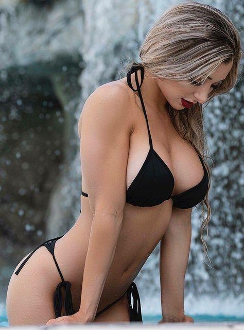 seksikäs musta alaston nainen