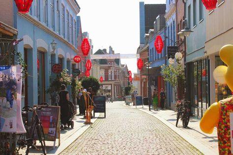 Einkaufen in der Neustadt (Husum) (c) TSMH / M. Mainitz