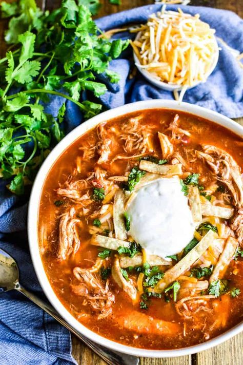 Chicken Tortilla Soup is one of our family's favorites. and this recipe is the BEST! Made with simple ingredients and packed with the most amazing flavor, it's a quick and easy dinner recipe you're sure to come back to time and time again. Authentic Chicken Tortilla Soup, Healthy Chicken Tortilla Soup, Chicken Enchilada Soup, Chicken Soup Recipes, Easy Soup Recipes, Cooking Recipes, Easy Tortilla Soup, Tortilla Soup Recipe Crockpot, Authentic Mexican Chicken Recipes