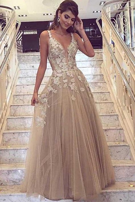 A-Line Deep V-Neck Tulle Prom/Formal Dress with Lace Appliques PG729