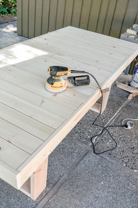 Wood Patio Furniture, Diy Outdoor Furniture, Diy Patio, Backyard Patio, Patio Ideas, Yard Ideas, Wooden Outdoor Table, Painted Patio Table, Patio Tables