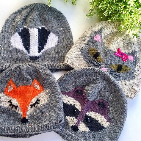 df31f7d544f This handmade hat is doubled. The external and internal hats crocheted  tightly