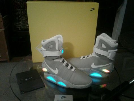 3587178c3222aa 2011 Nike Mag Back To The Future Shoes Sneakers Size 11 Movie Collectible