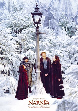 Siblings Lucy, Edmund, Peter and Susan Pevensie at the Lamp-post in 'The Lion, the Witch and the Wardrobe'.