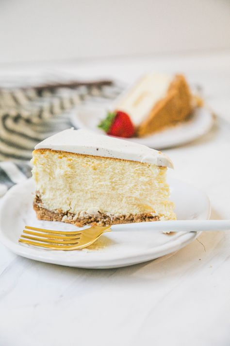 Vanilla Cheesecake With Sour Cream Topping Recipe Sour Cream Cheesecake Cheesecake Dessert Recipes