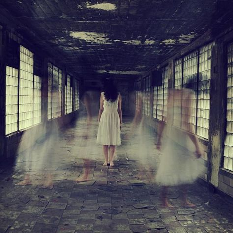 This would be so cool!! Mysterious Photography by Sarah Ann Loreth