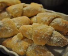Rezept Türkische Apfel-Zimt-Hörnchen - Elmali Kurabiye von Missy Freckles - Rezept der Kategorie Backen süß