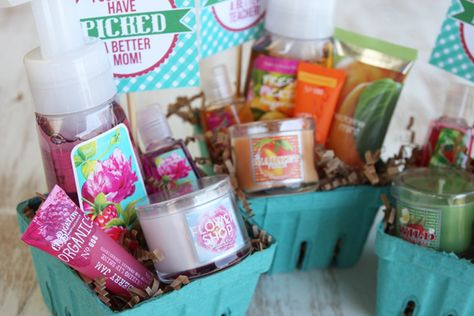 sweet DIY berry basket gifts. perfect for mother's day, teacher appreciation or a favor!