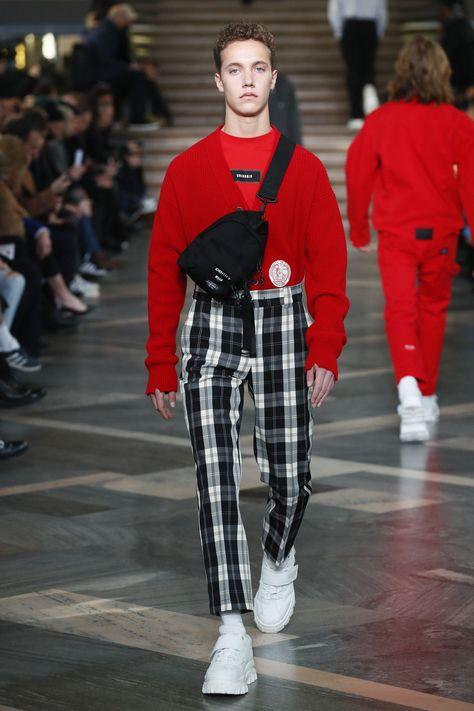 The complete MSGM Fall 2018 Menswear fashion show now on Vogue Runway. #MensFashionWhite