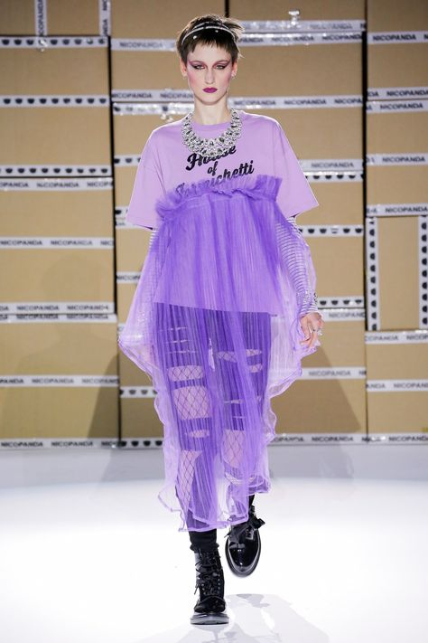 The complete Nicopanda Spring 2018 Ready-to-Wear fashion show now on Vogue Runway.