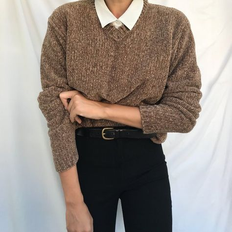 No brand label.Size on label M, will fit S… vintage taupe chenille sweater.No brand label.Size on label M, will fit S…,Clothes vintage taupe chenille sweater.No brand label.Size on. Mode Outfits, Casual Outfits, Fashion Outfits, 80s Fashion, Fashion Vintage, Mens Sweater Outfits, Workwear Fashion, Tomboy Fashion, Fashion Stores