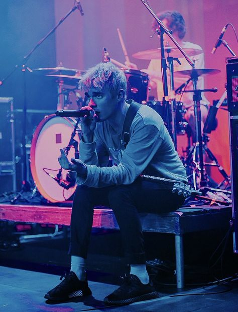 Find images and videos about fall out boy, pete wentz and waterparks on We Heart It - the app to get lost in what you love. Otto Wood, Waterparks Band, Awsten Knight, Mayday Parade Lyrics, The Amity Affliction, La Dispute, Halestorm, All Friends, Emo Bands