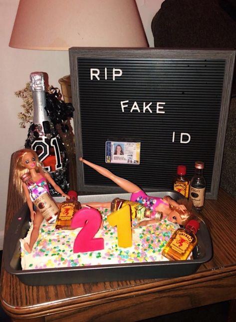 21st Birthday Cakes, Diy Birthday, 21st Birthday Decorations, Birthday Ideas, 21st Bday Ideas, 21st Birthday Checklist, Alcohol Aesthetic, Photos Bff, 21st Party