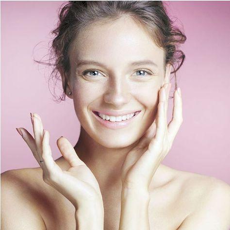 Mucho nos han preguntado: VUESTRA #vitaminaC se puede utilizar en el día? La respuesta es:  SI pues no mancha el poro ni la piel. C-OX nuestra vitamina C  NO  se oxida. Y hay que usar #protectorsolar? SIEMPRE recomendamos utilizar #protecciónsolar durante el día uses o no C-OX. . . . #koseilab #cosmetica #belleza #beauty  #cosmetics #tenerife #canarias #branding #tenerife #madrid #barcelona #bilbao #donosti #asturias #sevilla #malaga #cordobaesp #burgos #valladolid #Lugo #pontevedra #orense #lug