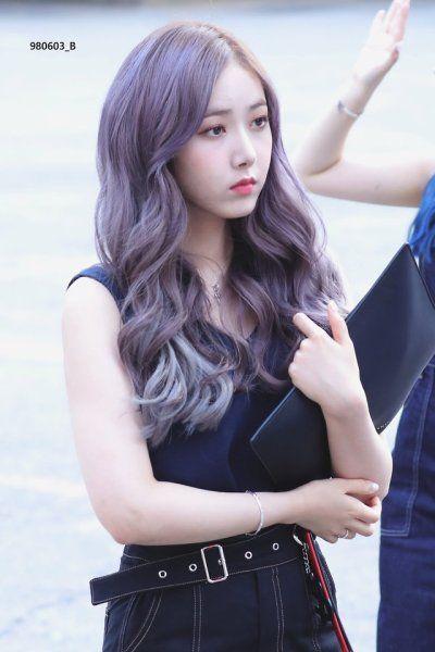 Nayeon Bias Wrecker Kpop Hair Color Pale Skin Hair Styles