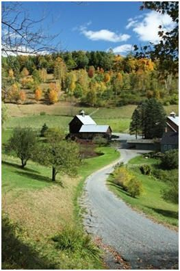 117 Free Barn and Country Outbuilding Plans, Plus DIY Building Guides – Click through to find blueprints for all-purpose backyard barns, horse barns, pole barns, small animal shelters, chicken coops, tractor sheds, workshops and even a selection of garages that look like barns.