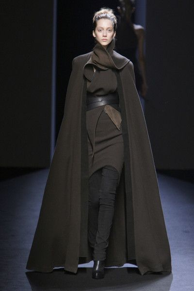 Haider Ackermann Fall 2010 Runway Pictures - LivinglyYou can find Future fashion and more on our website. Moda Fashion, Runway Fashion, Fashion Show, Fashion Art, Fashion Vintage, Fashion Clothes, Dark Fashion, Trendy Fashion, Modern Witch Fashion