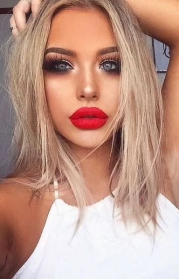 This Bright Red Lip Looks So Good With Her Blonde Hair Blonde Hair Red Lips Red Lipstick Makeup Lip Colors