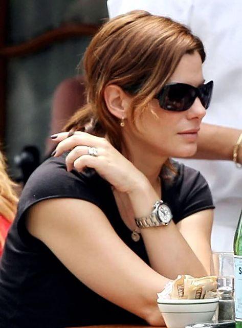 Sandra Bullock is wearing her stainless steel Rolex Daytona