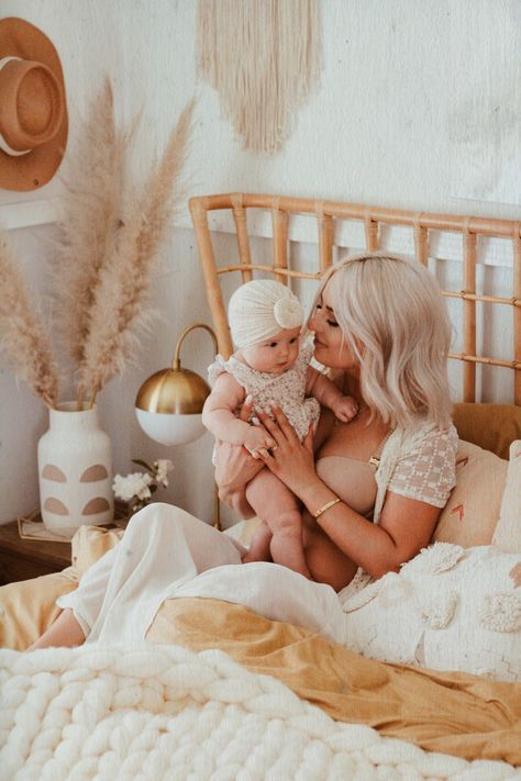 ...I've nursed for a total of three and a half years now 💪🏻and one thing I've found is that a good nursing bra is a total game changer, especially for those frequent night feedings. Even better when you can find one that is created with style and functionality in mind, like this 24/7 Classic Nursing Bra by @thirdlove, which I have on in the shade Taupe. Their sizes range from A-I cups and 32-48 band widths, but make sure to take their size quiz to help you order the right size.