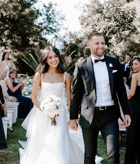Wedding Dress Gallery, Wedding Pics, Wedding Couples, Wedding Bells, Wedding Bride, Wedding Dresses, Wedding Decor, Wedding Ceremony, Magical Wedding