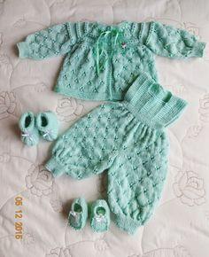 8ad34a79d PRODUTO A PRONTA ENTREGA   Conjunto em tricô feito a mão. Cor  Verde ...