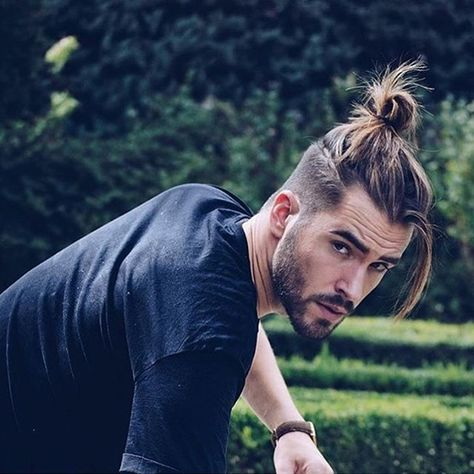 So gear up with some crazy ideas this time as mens undercut hairstyles with beard is going to be one of the trends setting ideas around you.