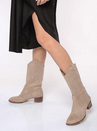 بيج بوت جزمة جزم Beige Boots Khaki Boots Black Boots